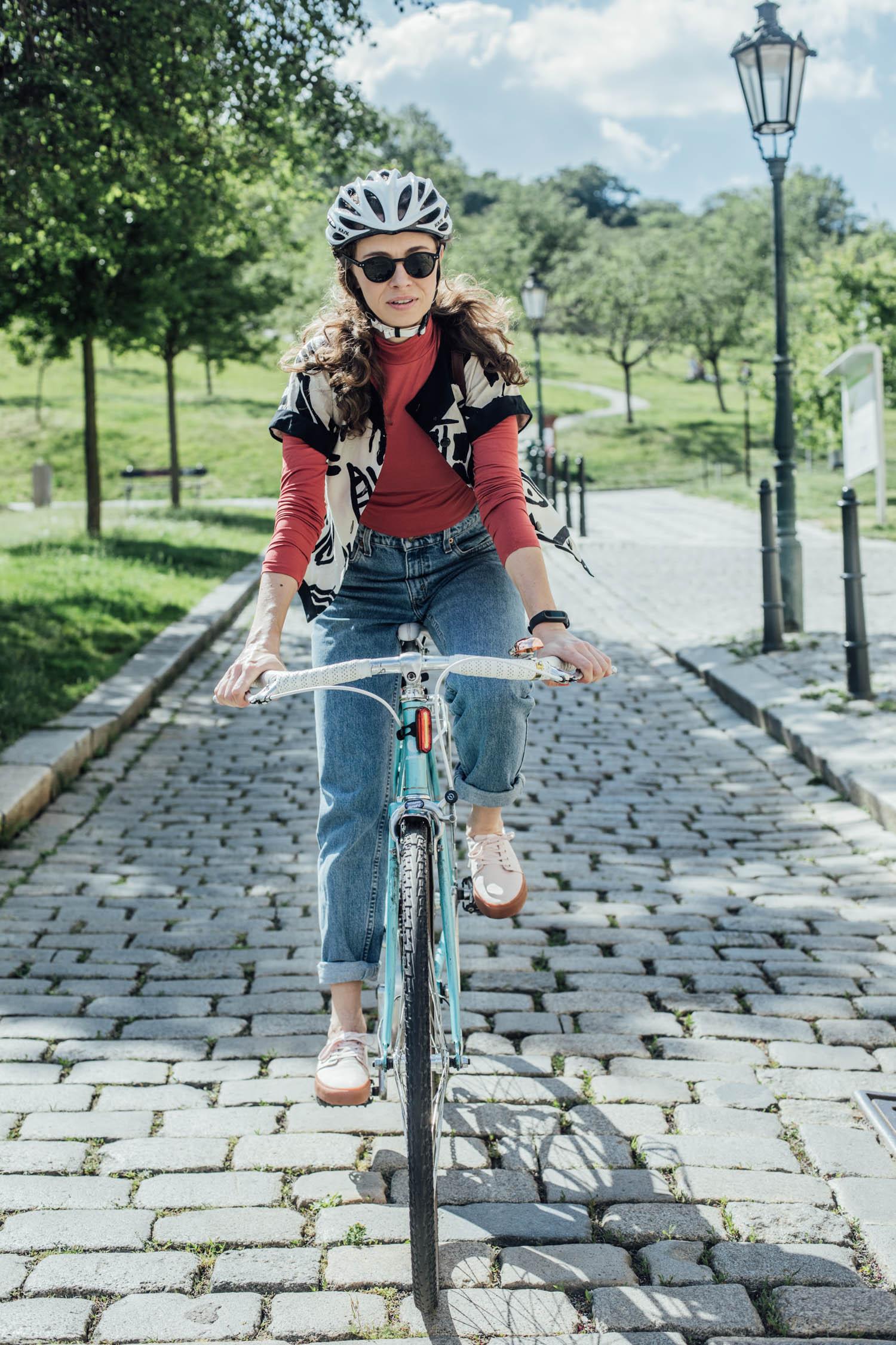 jana_travnickova_women_bicycle_repete_holkynakole_3